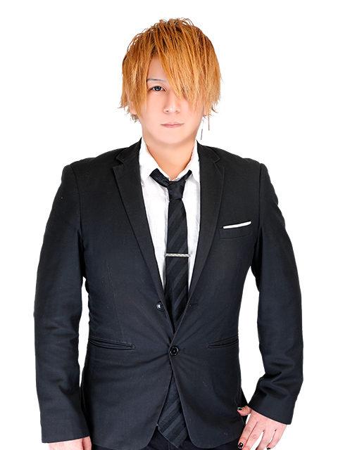 ホスト李亜 スーツ