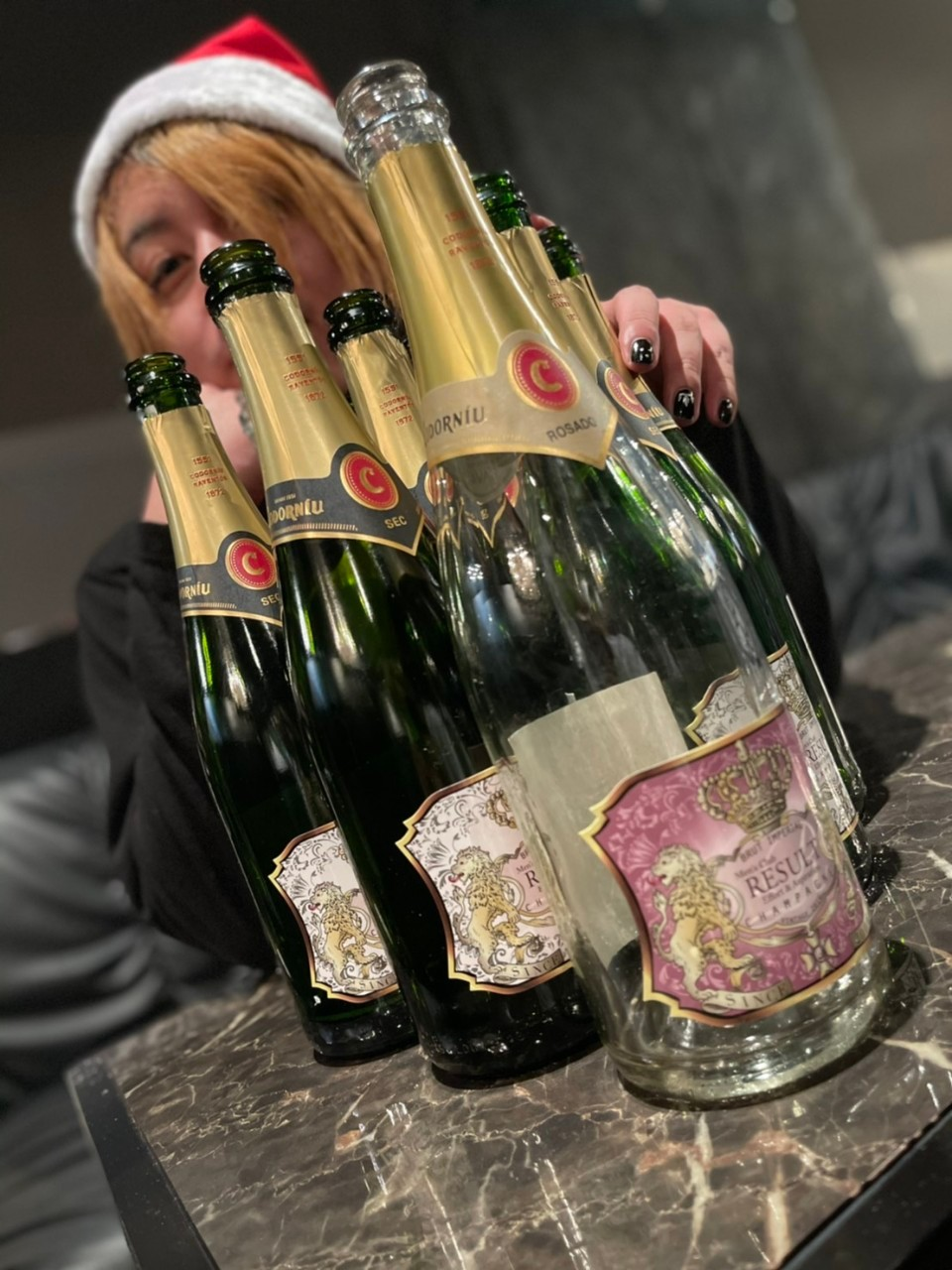 シャンパンと李亜
