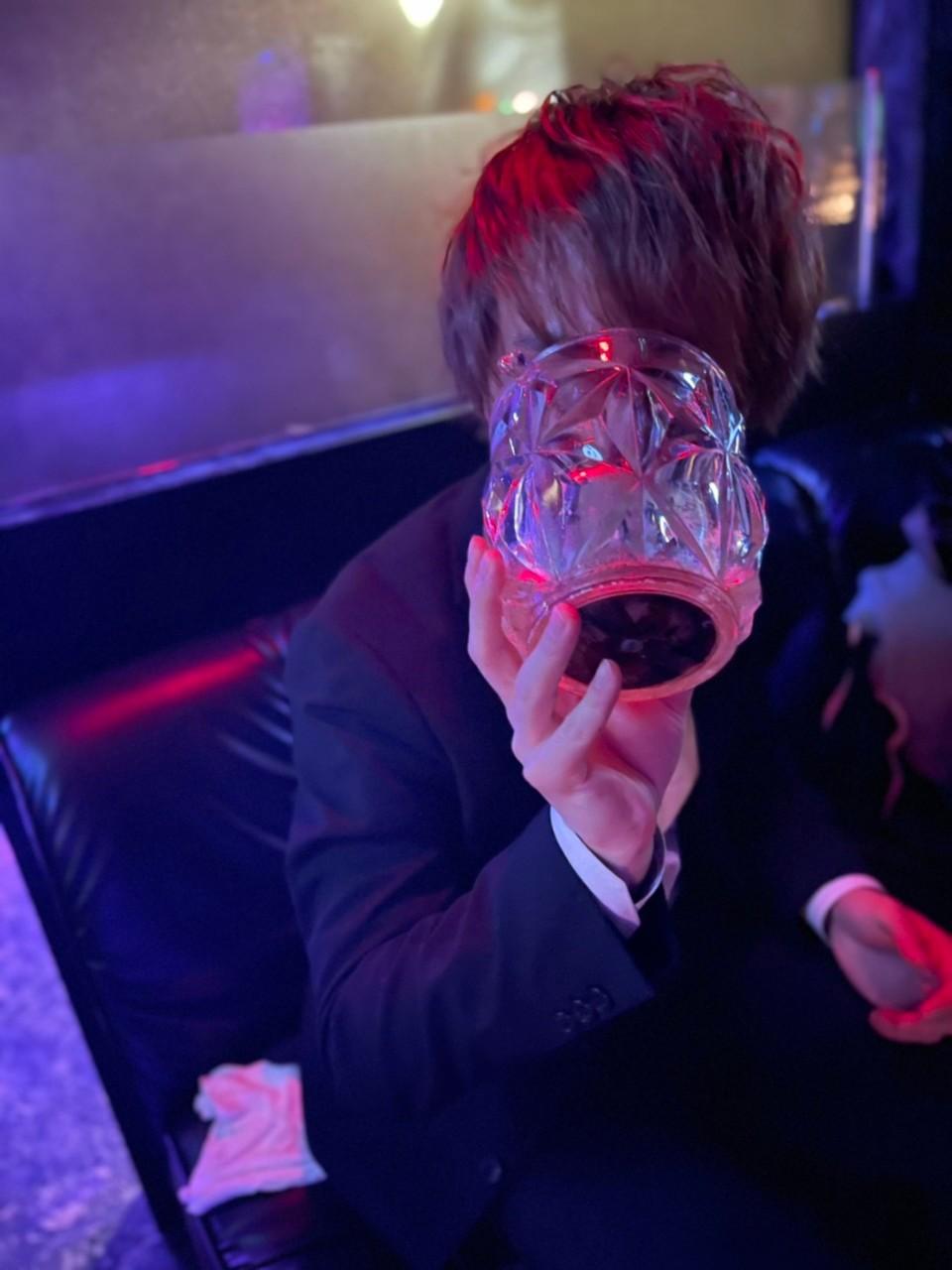 ホスト飲む